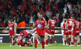 La joie des joueurs de Toulon après leur qualification pour la finale du Top 14 en battant le Racing Metro.