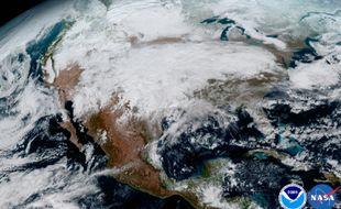 Le satellite GOES-16 a livré le 23 janvier 2017 ses premières prises de vues de la Terre.