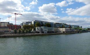 La vue depuis Bercy sur la rive gauche de la Seine.