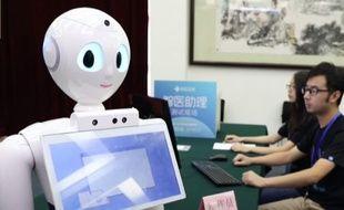 Xiao Yi, robot développé par la société chinoise iFlyTek et l'Université Tsinghua de Pékin, a réussi le concours de médecine.