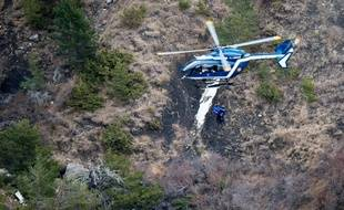 Photo des lieux du crash de l'A320 de Germanwings dans les Alpes, le 25 mars 2015.