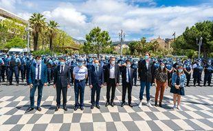 Vendredi 21 mai 2021, sur la place Masséna à Nice, 200 policiers municipaux se sont rassemblés avec Christian Estrosi à leurs côtés