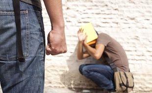 Illustration d'un adolescent harcelé dans son collège