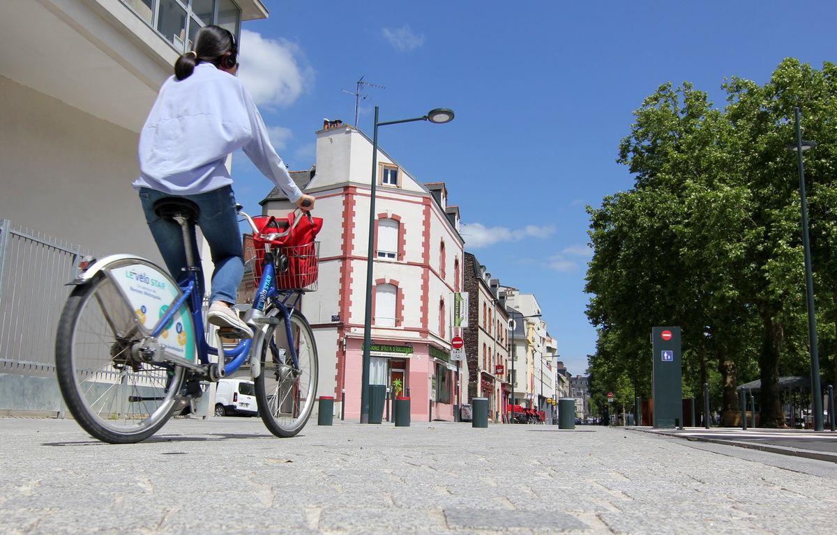 Illustration d'une cycliste circulant sur le mail François Mitterrand, à Rennes. – C. Allain / APEI / 20 Minutes