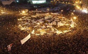Des centaines de milliers de manifestants sont rassemblés place Tahrir pour protester contre le gouvernement, Le Caire, Egypte, le 8 février 2011.