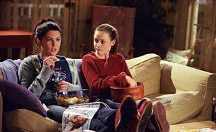 Lauren Graham et Alexis Bledel dans la série « Gilmore Girls ».