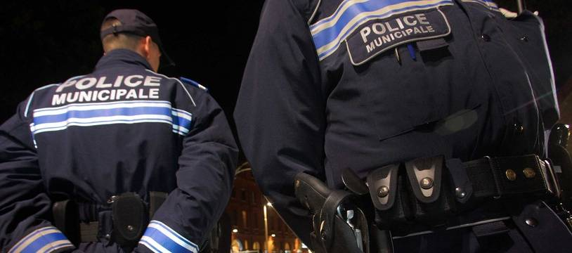 Des agents de la police municipale de Toulouse en patrouille la nuit (illustration).