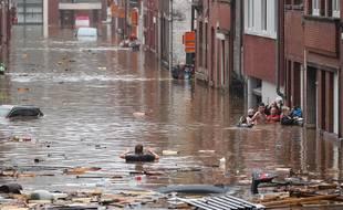 Une rue inondée à Liège (Belgique), le 15 juillet.