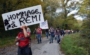 """La famille de Rémi Fraisse a """"salué"""" le jugement, constatant """"avec douleur que siles recours administratifs et le dialogue environnemental avaient été respectés, les travaux n'auraient pas démarré et cette tragédie ne serait jamais arrivée"""""""