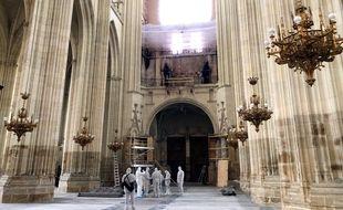 L'un des départs de feux se situait au niveau du grand orgue, près de la façade principale.