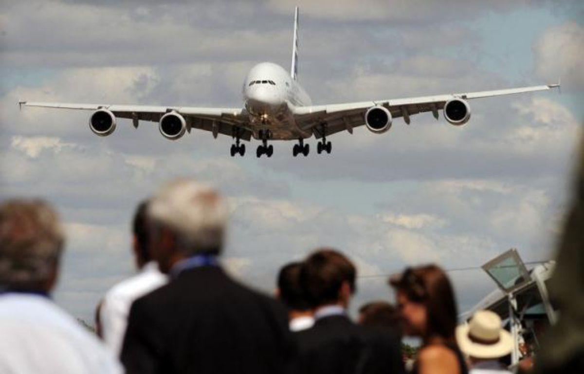 Boeing doit reprendre à Airbus sa place de premier constructeur mondial en décrochant plus de commandes que son rival européen au salon aéronautique qui s'ouvre lundi à Farnborough (sud-ouest de Londres). – Ben Stansall afp.com