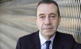 Bruno Racine, ancien président de la Bibliothèque nationale de France, dresse une série de 23 recommandations en vue d'améliorer la situation des artistes-auteurs dans un rapport.