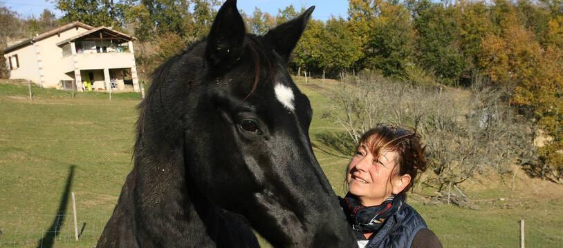 Danielle, cavalière professionnelle, a retrouvé son cheval Kondor, qu'elle avait perdu de vue depuis sept ans.
