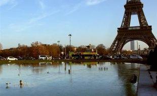 Le froid a persisté dimanche sur une grande partie de la France, le plan grand froid étant maintenu dans 33 départements contre 39 neuf samedi soir.