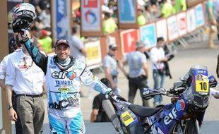 Le Français David Casteu (Yamaha) a remporté mercredi la 5e étape du Dakar-2013 dans la catégorie moto, courue entre Arequipa (Pérou) et Arica sur 410 km, dont une spéciale de 136 km, à l'issue de laquelle son compatriote Olivier Pain (Yamaha) a conservé la tête du classement général.