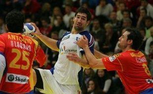 L'équipe de France masculine de handball touche du doigt les demi-finales de l'Euro-2008, après avoir battu l'Espagne (28-27) mardi à Trondheim, car un succès sur les champions du monde allemands mercredi la qualifierait pour le dernier carré.