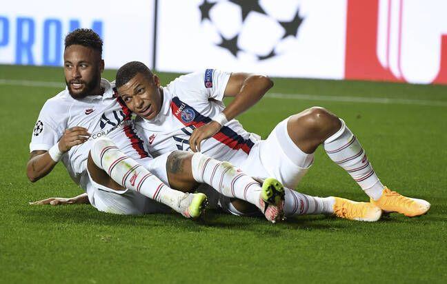Neymar et Mbappé se font des mamours après le scénario fou contre l'Atalanta.