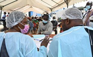 La Guinée s'interroge sur le cas de fièvre hémorragique Ebola détecté à Abidjan chez une jeune Guinéenne de 18 ans.