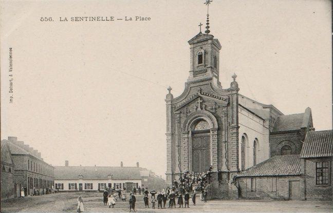 Une carte postale de 1912, montrant l'église.