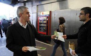 Manuel Aeschlimann, alors candidat aux législatives à Asnières, le 12 juin 2012.