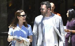 Les acteurs Jennifer Garner et Ben Affleck dans les rues de Brentwood en Californie le mois dernier