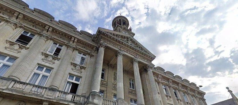La mairie de Cambrai.