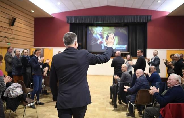 Jean Lassalle en meeting à Saint-Viaud, en Loire-Atlantique, le 27 mars 2017.