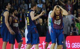 Barcelone a remporté la première manche de son quart de finale de l'Euroligue de basket face au Panathinaïkos au terme d'un duel déjà passionnant, remporté 72-70 après prolongation mardi en Catalogne.