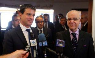 """L'Algérie a estimé dimanche que les divergences avec la France au sujet du conflit malien étaient """"quelquefois surfaites"""", à l'occasion d'une visite du ministre français de l'Intérieur Manuel Valls."""