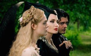 Elle Fanning, Angelina Jolie et Sam Ryley dans «Maléfique: Le Pouvoir du mal»de Joachim Rønning