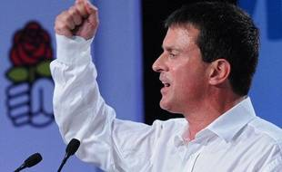 Manuel Valls pendant son discours aux universités d'été du PS, à La Rochelle le 24 août 2013.