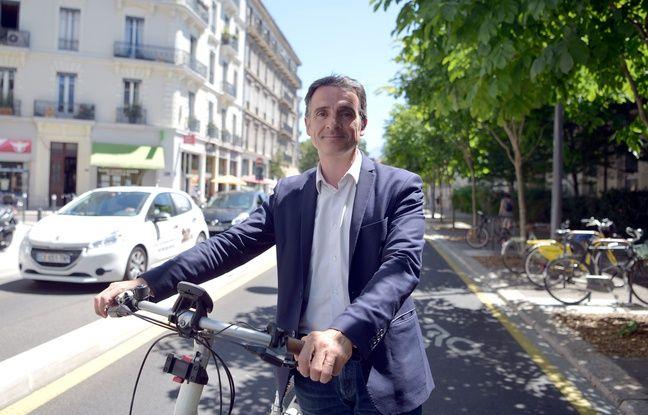 Grenoble: Eric Piolle réélu maire lors d'un conseil municipal électrique