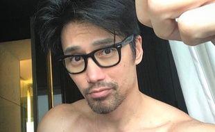 Chuando Tan, mannequin originaire de Singapour, est âgé de 50 ans sur cette photo.