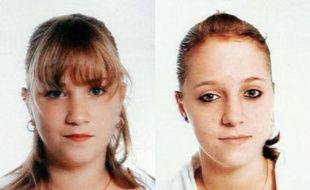 Sophie (G) et Valérie Galtieri (D), dont le père a signalé la disparition depuis le 6 octobre à Reims