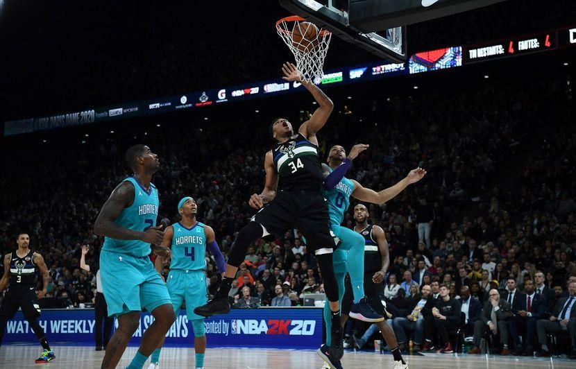 Charlotte-Milwaukee : Les Bucks d'Antetokounmpo et la NBA triomphent à Paris
