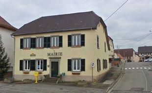 Alsace: Trois anciens adjoints retiennent la secrétaire et réclament les nouvelles clés de la mairie.