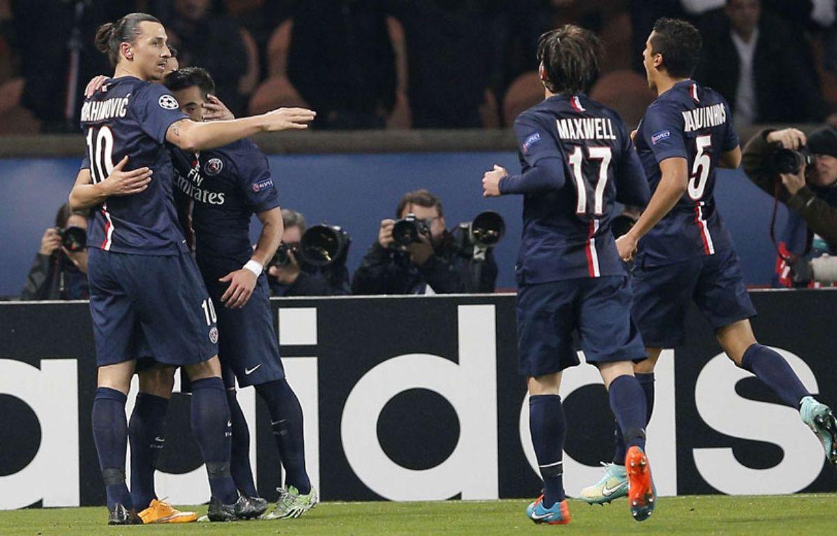 Ibrahimovic et ses coéquipiers célébrent un but face à l'Ajax, le 25 novembre 2014 –  Christophe Ena/AP/SIPA