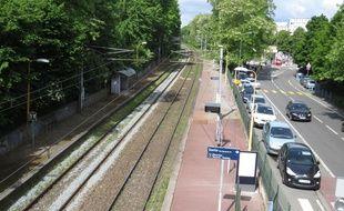 Villeneuve d'Ascq, le 30 mai 2015 - La gare de Pont de Bois pourrait avoir une nouvelle vie après les travaux de la voie ferrée raccordant Orchies à Villeneuve d'Ascq.