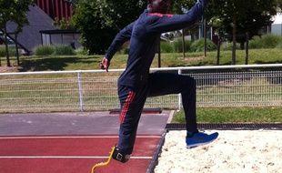 Jean-Baptiste Alaize, athlète amputé de la droite droite, va tenter de décrocher trois médailles aux championnats d'Europe handisport de Swansea, du 19 au 24 août 2014.