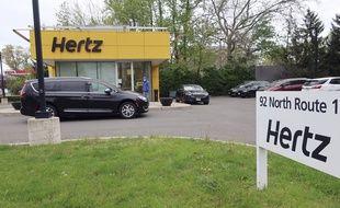Le loueur de voitures américain Hertz s'est déclaré en faillite vendredi au Canada et aux Etats-Unis.