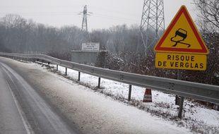 Illustration, risque de verglas, neige et routes Strasbourg et alentours le 14 01 2009.
