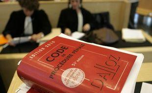 Le Code Dalloz lors d'une audience au Tribunal de Grande instance de Toulouse. Illustration.