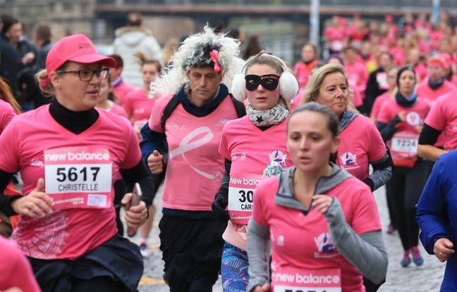 Strasbourg le 9 octobre 2016. La Strasbourgeoise. Course organisée dans le cadre d'une campagne d'information et de sensibilisation contre le cancer du sein.