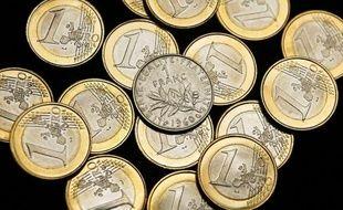 Un Français sur trois est tenté par le retour au franc et une sortie de l'euro, selon un sondage Ifop commandé par le site d'information Atlantico publié samedi.