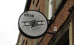 Lille, le 6 octobre 2015 - Enseigne du Biplan, salle de spectacle a Lille.