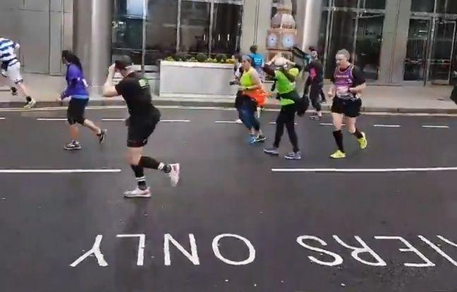 VIDÉO. Semi-marathon de Londres: Un coureur déguisé en Big Ben lutte difficilement contre le vent
