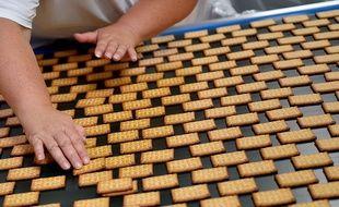 Un plateau de biscuits. (illustration)