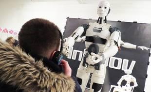 Un robot qui dialogue.