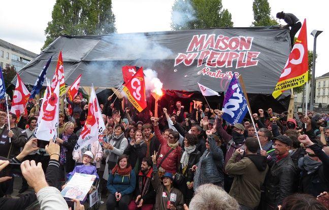 La «Maison du peuple» dressée devant la préfecture mardi 10 octobre 2017.