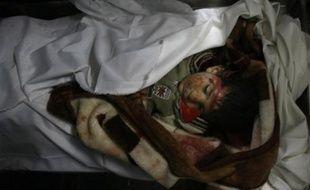 """Les opérations militaires israéliennes dans la bande de Gaza ont eu un """"caractère sans aucun doute inhumain"""" qui évoque """"le spectre de crimes de guerre systématiques"""", a affirmé jeudi le rapporteur spécial de l'ONU pour les territoires palestiniens, Richard Falk."""